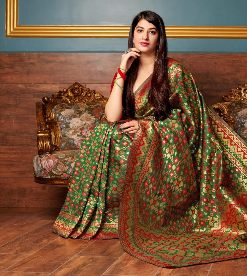 Manjubaa Present Mandakini Silk Banarasi Silk 2001-2006 Series Saree Trader